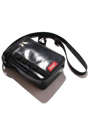 MURAL(ミューラル)/ BOX SHOULDER POUCH -BLACK-