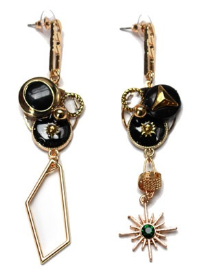 BOW(ボウ)/ BLACK ASYMMETRY PIERCE -Lady's-